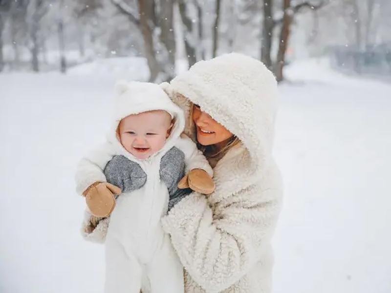 En hiver, gardez bébé en parfaite forme